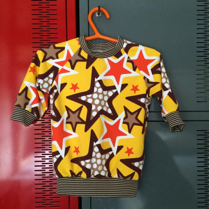 Brindille & Twig, Raglan Sweatshirt in Znok Stars fabric